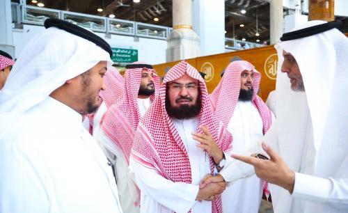 285a1ef13c851 وكالة عمانيات الإخبارية   الشيخ السديس في حوار مطول لعكاظ ؛،حنكة وحكمة خادم  الحرمين الشريفين ستساهم في أنجاح القمة الاسلامية